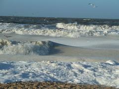 Bewegung unter dem Eis (guckma) Tags: schnee winter snow ice beach strand germany deutschland sand waves insel northsea sylt eis nordsee isle wellen