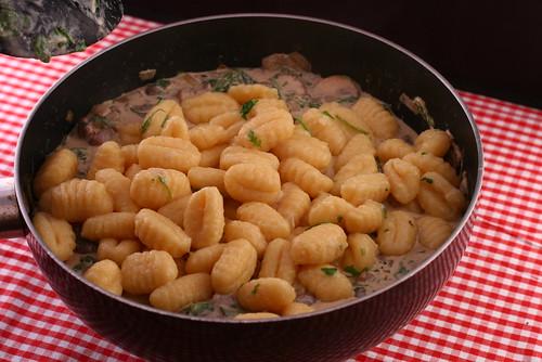 Gnocchi mit Rucola und Pilzen