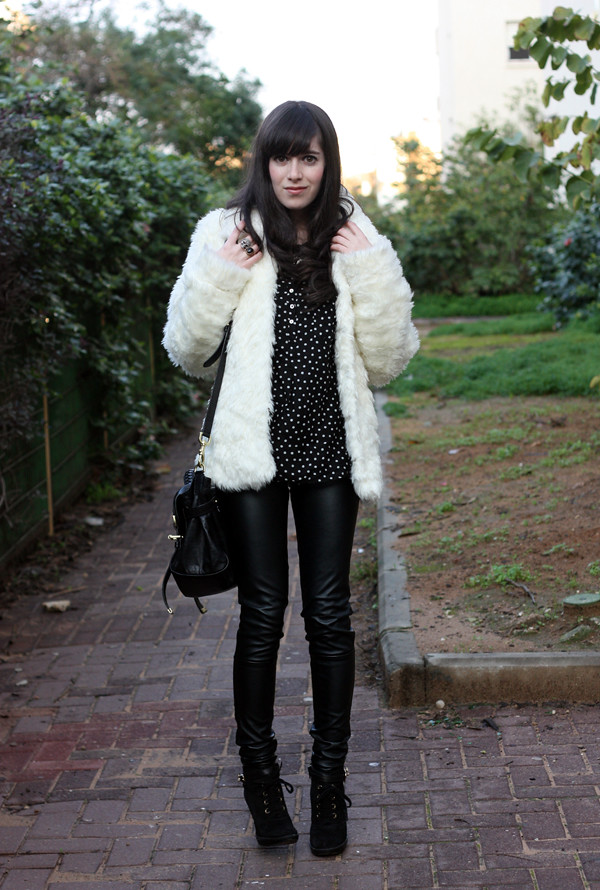 white_furry_coat1
