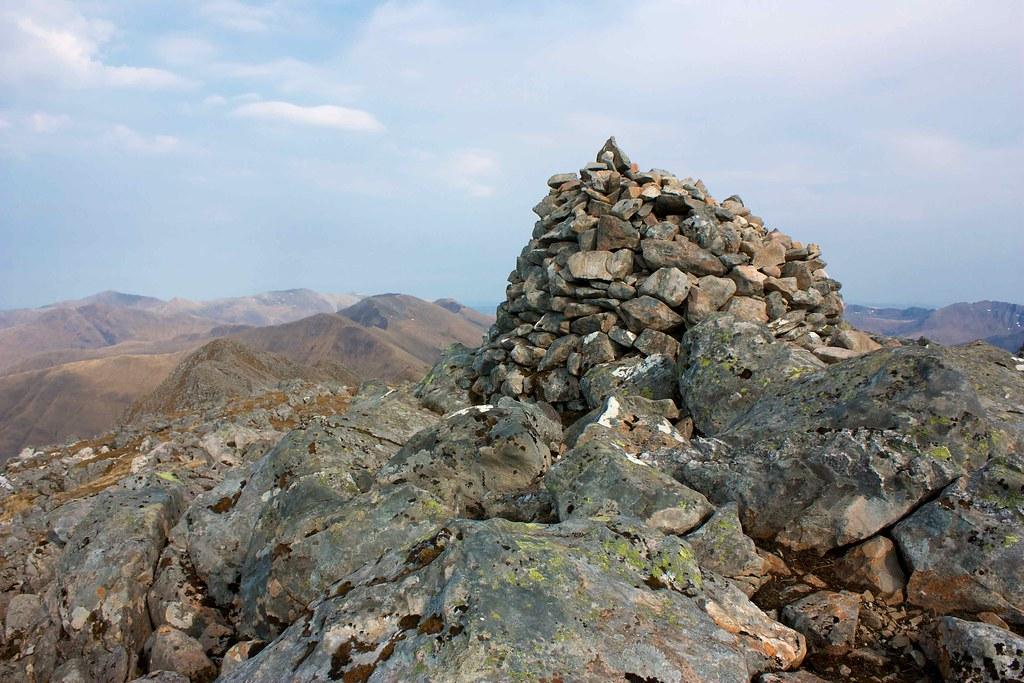 Summit cairn of Sgurr na Ciste Duibhe