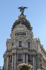 Metropolis Building (eyeofmycanon) Tags: madrid summer hot weather canon spain sunny heat gran metropolis vía granvía callealcalá metropolismadrid 1100d