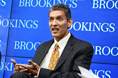 "Brookings Economic Senior Fellow Eswar Prasad debuts his new book, ""Gaining Currency: The Rise of the Renminbi"""