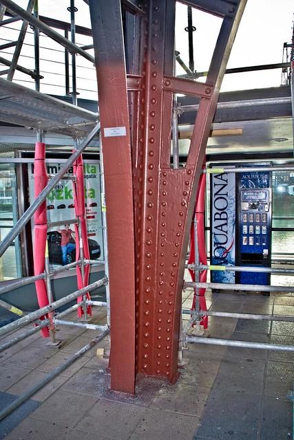 Campanil de Gallarta, ¿el nuevo color del Puente Colgante?