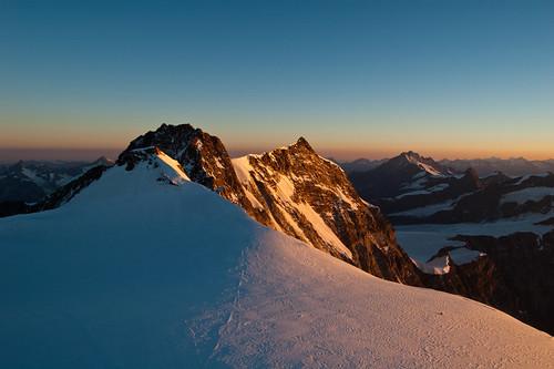"""...il risveglio dei giganti... (""""4 giorni sopra i 4000 del Monte Rosa"""" - Valle del Lys, Valle d'Aosta - Vallée d'Aoste)"""