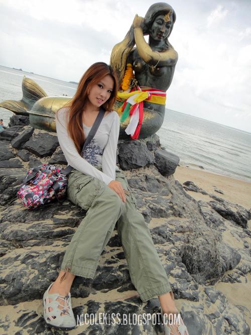 nicole and samila beach mermaid