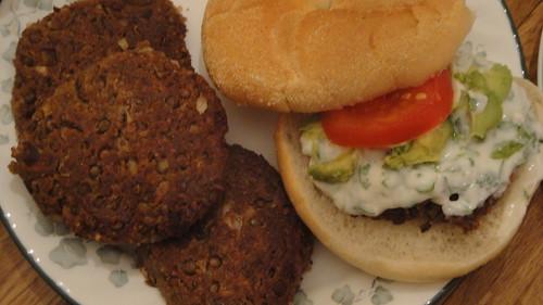 Spicy Lentil-Walnut Burgers 辣扁豆核桃素漢堡