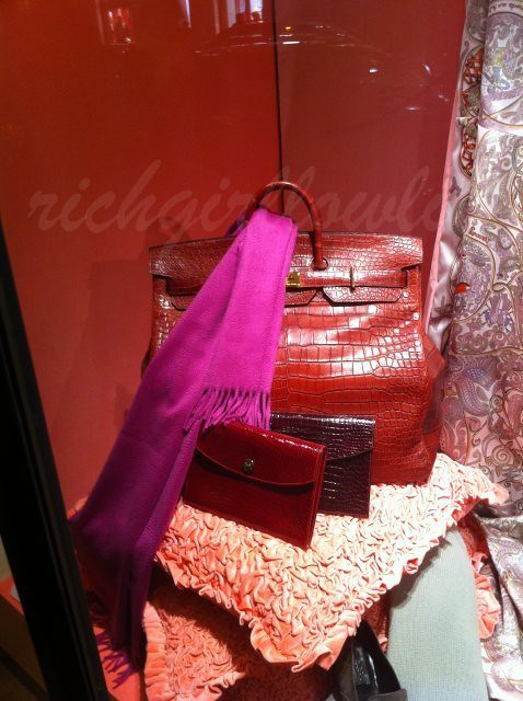 92909_Hermes-Window-Display-for-Christmas4