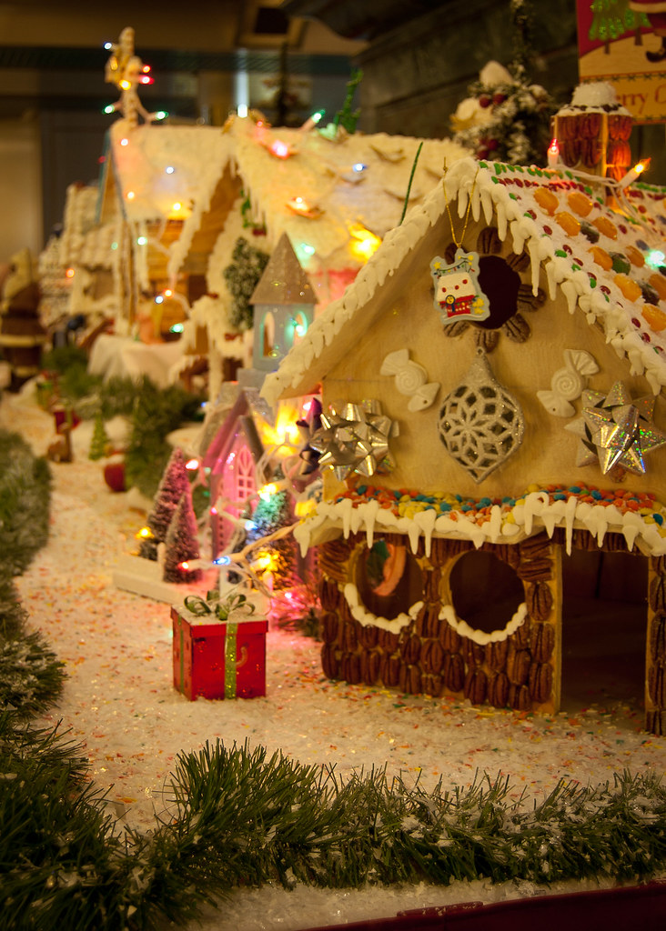 Gingerbread_Houses