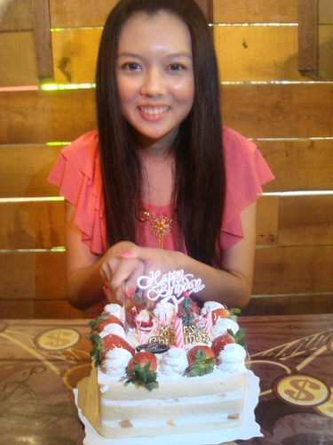 Chee Li Kee and birthday cake