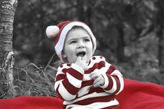 Lajudant de Santa Claus (Evita Maria) Tags: parque boy portrait baby children retrato bebe invierno nio nene evitamaria santcebriadevallalta