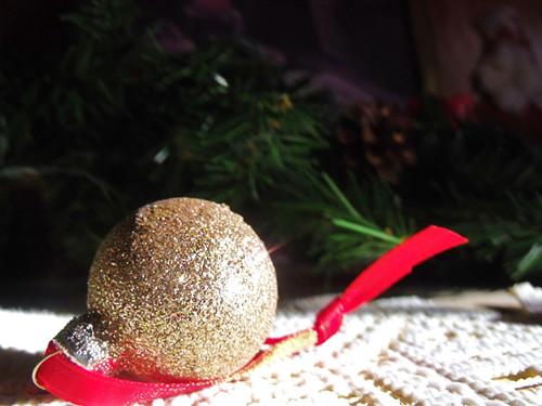 Dawy 27: Gold Ornament