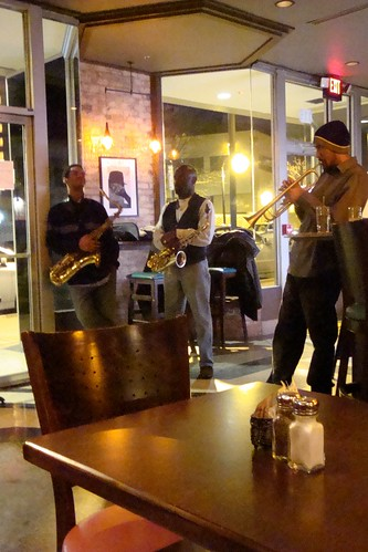 James Gates trio @ Beyu Caffe