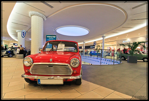 Recently, a static Mini show was held at the Point shopping mall here in