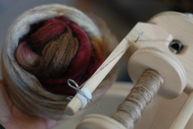 Merino/Yak/Bombyx Silk - Fiber/Yarn Detail