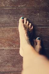 118/365 (obo-bobolina) Tags: portrait feet tattoo legs hannah sp 365 selfie 365days toesink