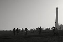disfrutando de la tarde en Playa de Maspalomas en BN