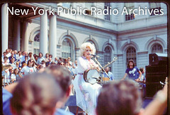 Dolly Parton's performance in front of City Hall, Feb 21, 1978. (wnyc) Tags: broadcasting concerts events koched19242013 mayors musicians partondolly politicians radiostations singers wnycradiostationnewyorkny