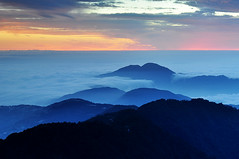 Sunset in Mt. Hehuan 2[Explore] (Vincent_Ting) Tags: sunset sky cloud nature water clouds nikon taiwan explore   formosa       d90