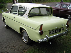 MAY 1962 FORD 105E ANGLIA 997cc 366WEH (Midlands Vehicle Photographer.) Tags: show ford september 09 e 105 19 2010 anglia crich