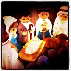 そしてキリスト生誕場面。近隣と競うようにただピカピカなのには懐疑的だったけど、ここのはステキ!って思ったよ。