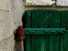 Textures (mmicho) Tags: old green stone rust pierre vert textures nails vieux clous rouille volet