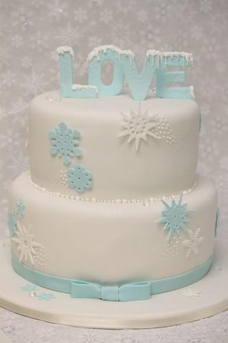 Hochzeitstorte Winter Love Eiskristalle
