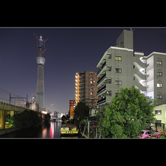 Tokyo Sky Tree (Laurent T (aka thery_lg)) Tags: city longexposure urban tower japan night river tokyo canal nightshot metropolis tokyoskytree