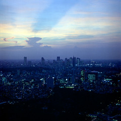 Berry 2212 - The City That Never Sleeps (ukaaa) Tags: hills roppongi