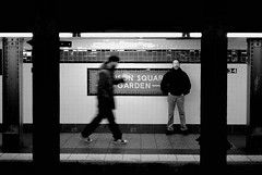 34 St (benjasalazar') Tags: nyc bw ny newyork walking subway manhattan contraste madisonsquaregarden picnik nuevayork 34street