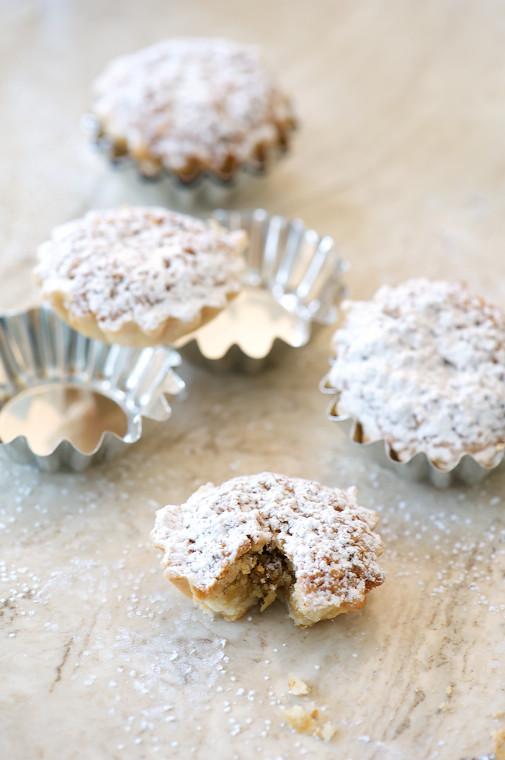 hazelnut tart with tins