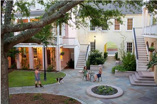 this courtyard at Mixson in N Charleston SC has great design (by: Mixson)