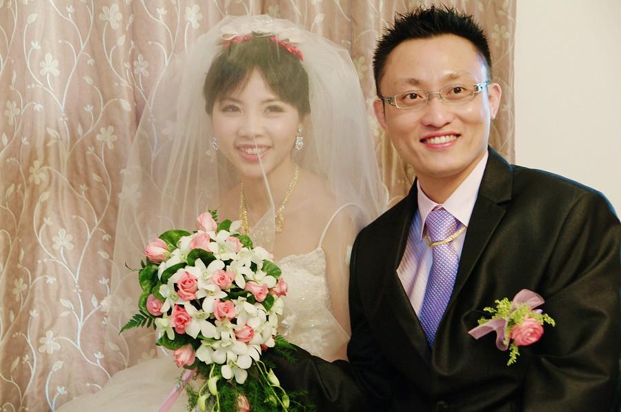 民國一百年的第一天,我們結婚了