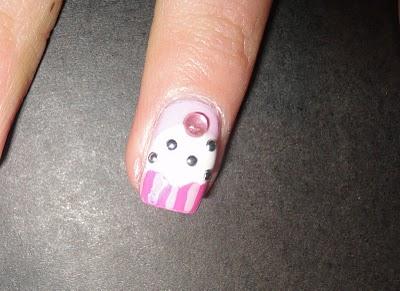 cupcake nail art idea-26