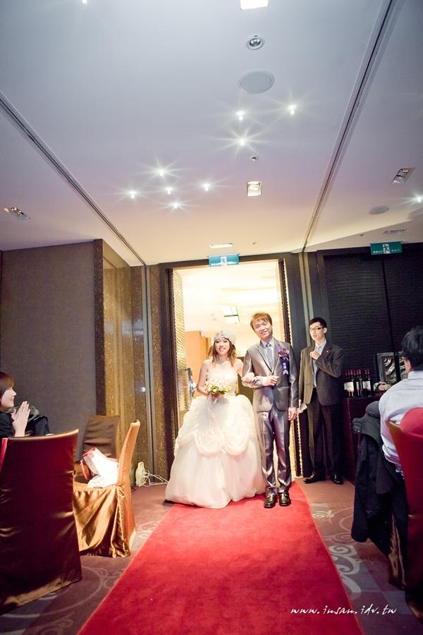 wed101120_381
