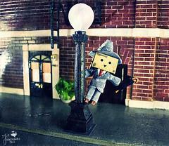 Singin' in the rain with the Danbo (Senzio Peci) Tags: italy cinema film rain japan umbrella movie amazon italia gene musical sicily kelly pioggia giappone sicilia ombrello 1952 danbo paternò danboard intothedeepofmysoul