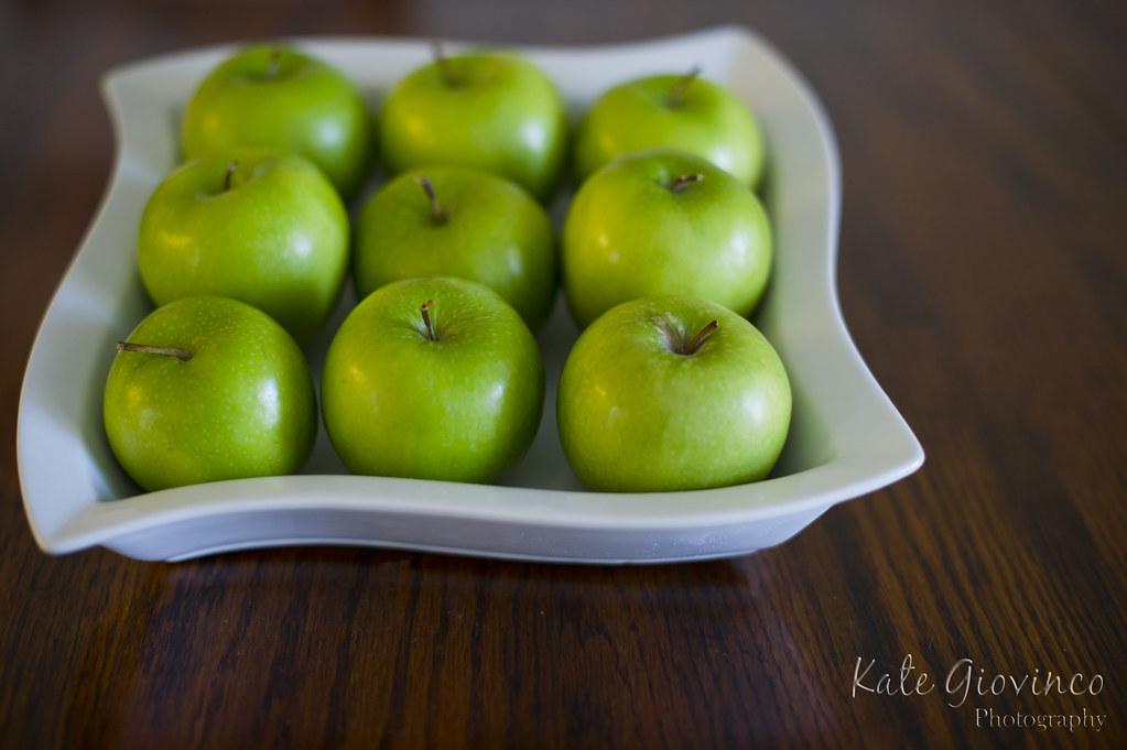 022.365.2011 Apples