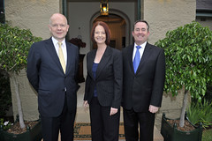 William Hague and Dr Liam Fox with the Hon Julia Gillard at Kirribilli House, 2011 (UK in Australia) Tags: unitedkingdom sydney primeminister kirribilli stephensmith foreignminister williamhague kevinrudd juliagillard defenceminister liamfox secretaryofstateforforeignandcommonwealthaffairs secretaryofstatefordefence aukmin