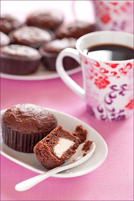 Chocolate muffins with cream cheese