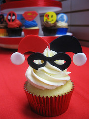 Superhero Cupcakes (Jenny Burgesse) Tags: cupcakes superhero harleyquinn fondant geeksweets comicbookshoppeartgala2010
