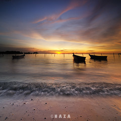 Port Dickson Sunset in Vertorama (naza.carraro) Tags: blue sunset abandoned tourism beach hotel boat fishing sand waves tour parking wave visit hour malaysia slowshutter chalet islan malay pantai senja seremban sampan portdickson ombak hoping naza negerisembilan vertorama naza1715 nazarudinwijee