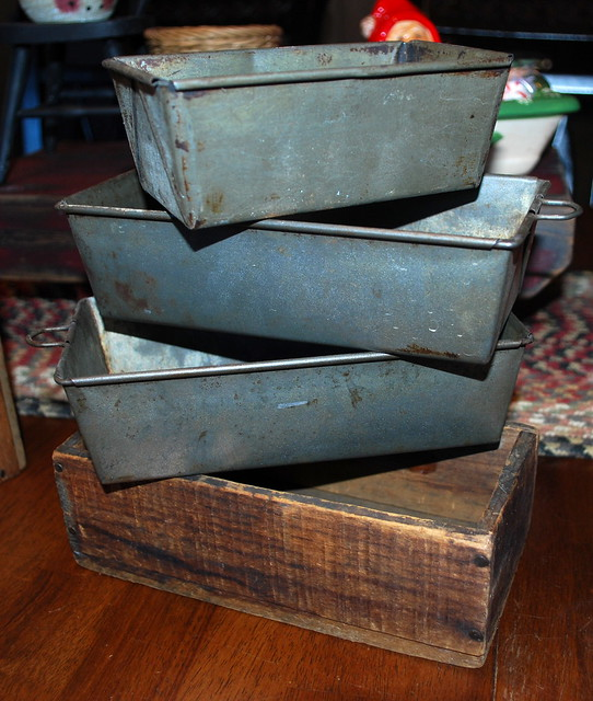 Antique finds box pans