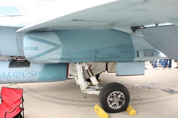 EAA10_FA-18C_043