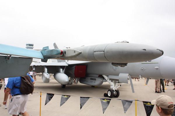 EAA10_FA-18C_062