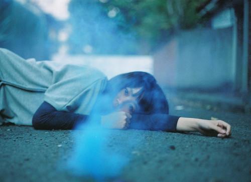 フリー写真素材, 人物, 女性, アジア女性, 寝転ぶ,