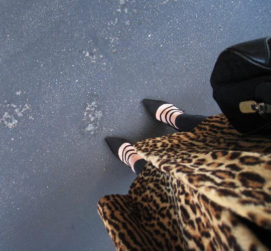 vintage leopard coat+pointy toe heels with straps