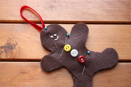 gingerbread-men-ornaments