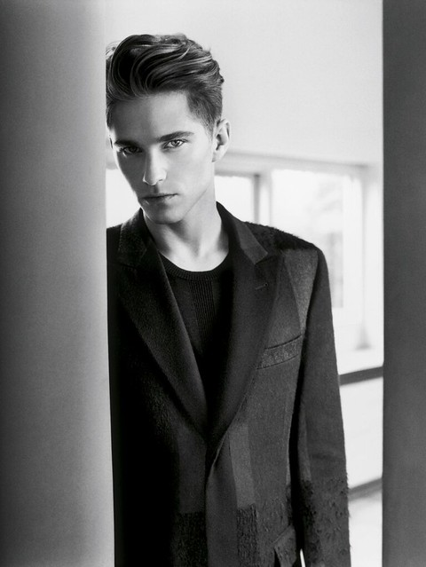 Travis Davenport0084_Cerruti Fall 2010_Ph Tom Watson(Fashionisto)