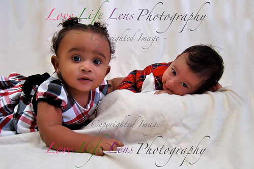 Jahzlynn & Yailene - Holiday Portraits