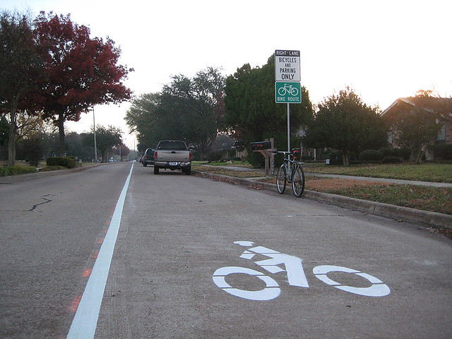 Wider Bike Lane With Parking - Apollo East Side