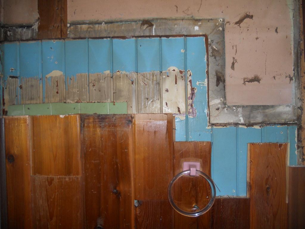 Bathroom Wall Layers